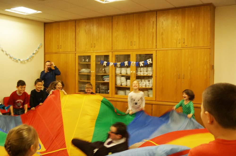 Gilbert_in_Parachute